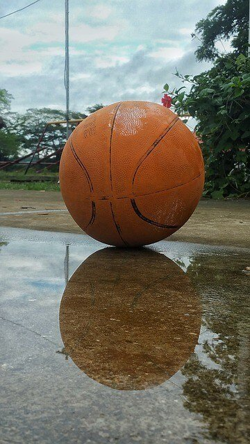 how to clean a basketball